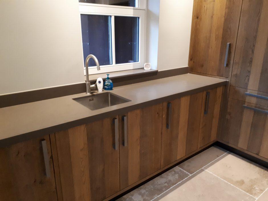 Bijkeuken op maat laten maken maatwerk keuken hout K2 Keukens en Meubels Exclusief 017_resized