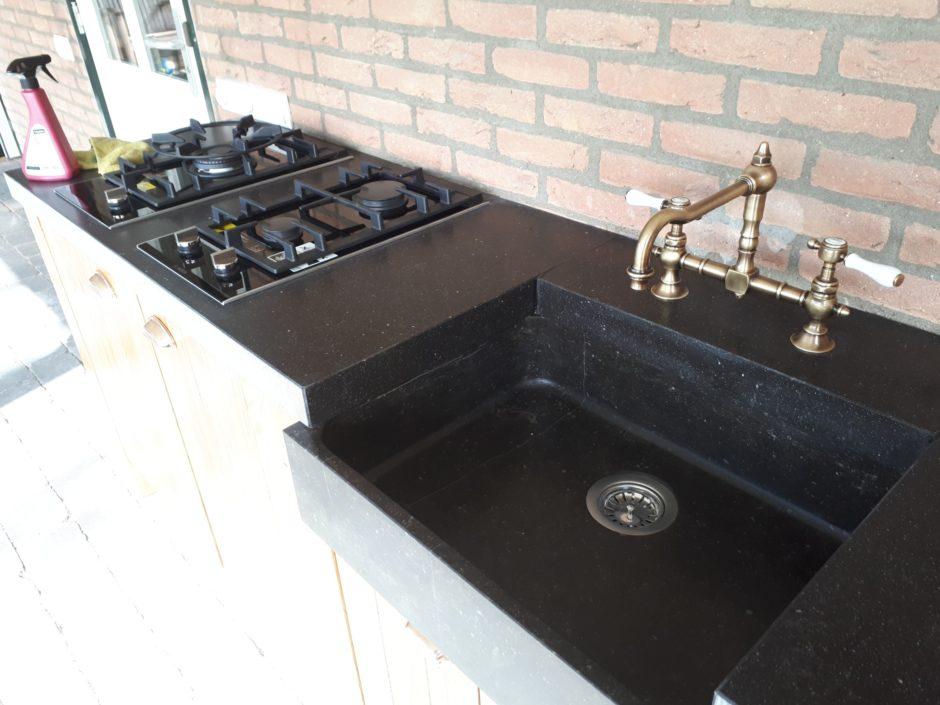 Buitenkeuken op maat laten maken maatwerk keuken hout K2 Keukens en Meubels Exclusief 622_resized