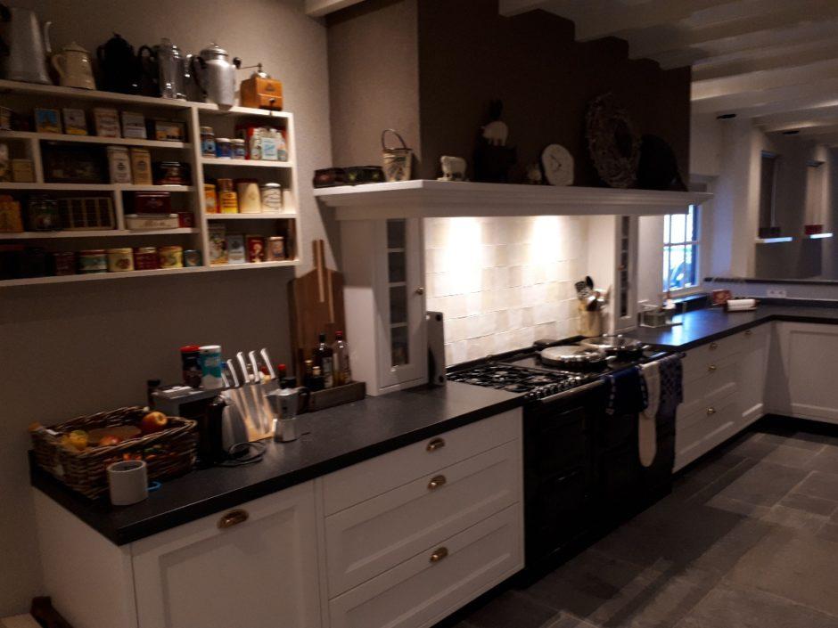 Handgemaakt massief essen boeren keuken Maatwerk op maat hout K2 Keukens en Meubels Exclusief216_resized
