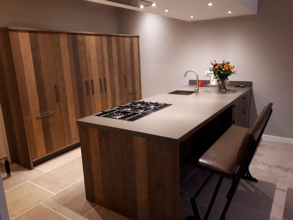 Keuken op maat laten maken maatwerk hout K2 Keukens en Meubels Exclusief 332_resized