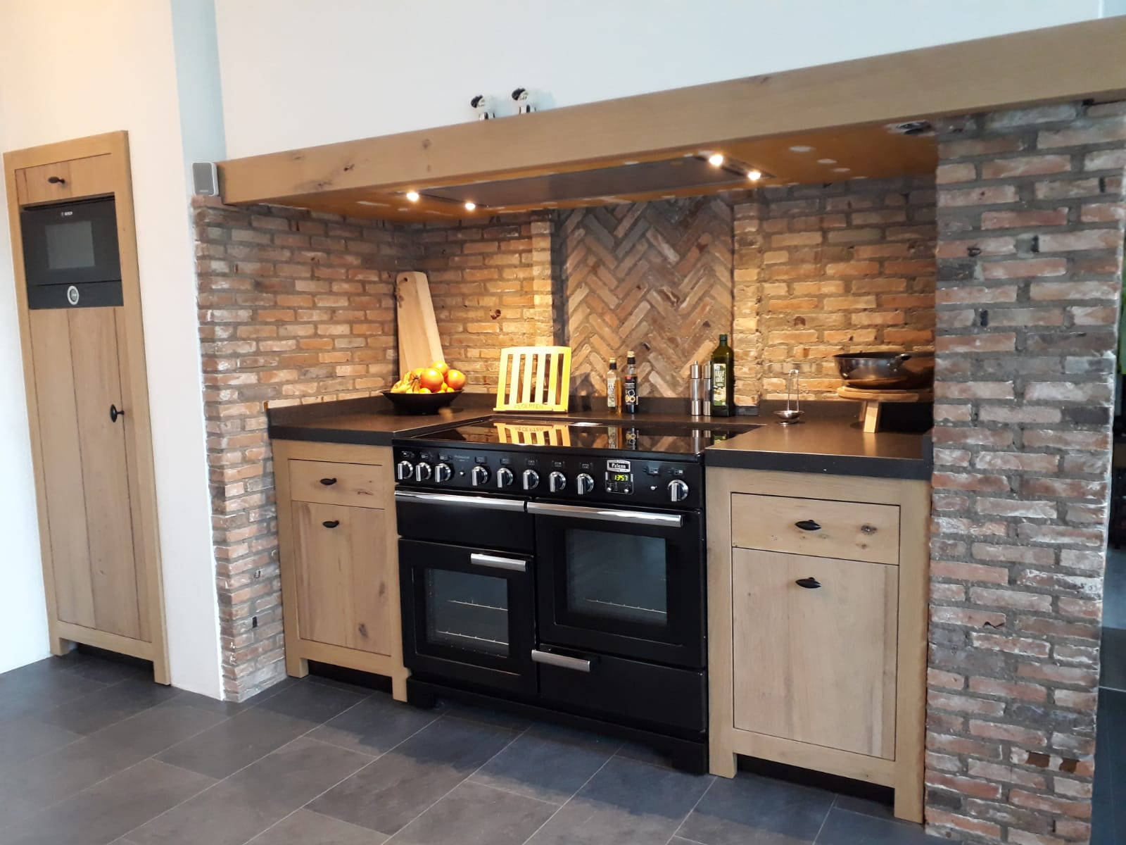 Landelijke maatwerk keuken laten maken vakmanschap voor for Budget meubels