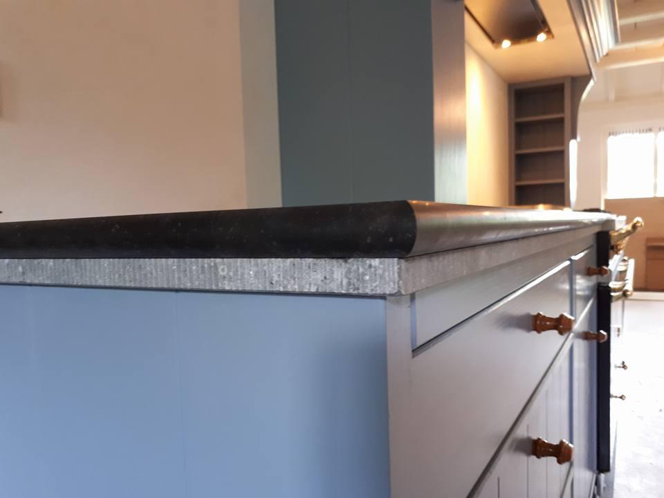 Maatwerk Keukens Essen hout Beligsch hardsteen