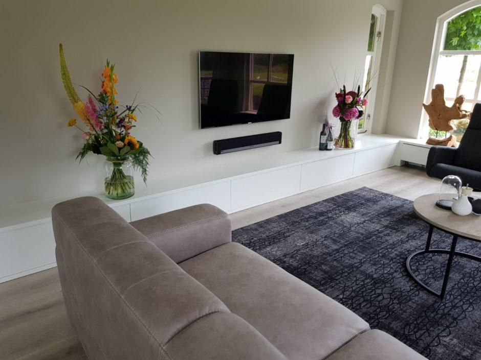 Maatwerk interieur tv meubel handgemaakt Maatwerk meubels op maat hout K2 Keukens en Meubels Exclusief1