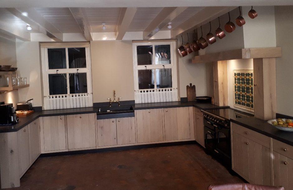 Massief eiken keuken op maat houten maatwerk keukens K2 Keukens en Meubels Exclusief 2