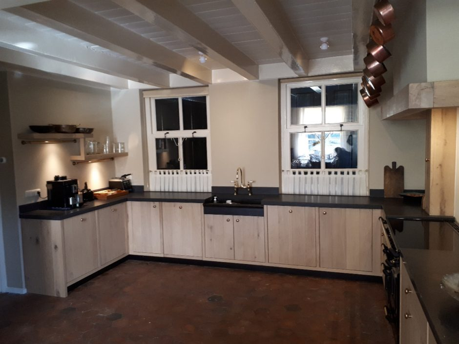 Massief eiken keuken op maat houten maatwerk keukens K2 Keukens en Meubels Exclusief 4