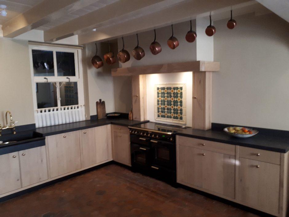 Massief eiken keuken op maat houten maatwerk keukens K2 Keukens en Meubels Exclusief 5